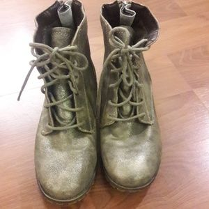 Shoes - Mossimo Supply Co anckle zipper silver boots 6